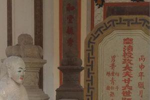 Giải mã kho báu trấn yểm bằng hai tượng người trong lăng mộ Đệ tam phú hào Sài Gòn