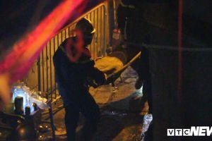 Phát hiện 2 thi thể trong đám cháy ở Đê La Thành: Xử lý thế nào?