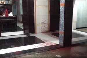 TP.HCM: Cụ bà nhập viện vì bị nhóm thanh niên tấn công bằng mắm tôm