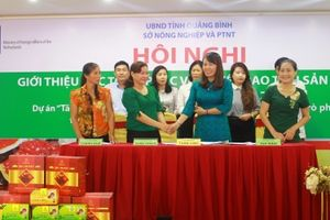 Quảng Bình: Doanh nghiệp ký cam kết bao tiêu sản phẩm nấm sạch cho nông dân