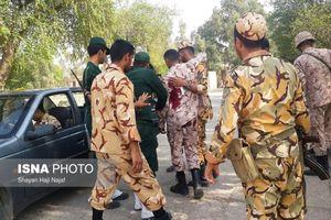 Khủng bố cải trang binh sỹ, xả súng vào đoàn diễu hành: Ít nhất 20 người thương vong