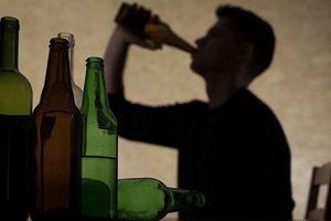 Bất ngờ với số người chết vì lạm dụng đồ uống có cồn