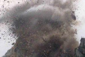 TT-Huế: Một phụ nữ thiệt mạng vì đá văng trúng khi mỏ đá nổ mìn