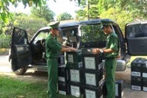 Bắt vụ vận chuyển 480 chai rượu lậu tại Quảng Trị