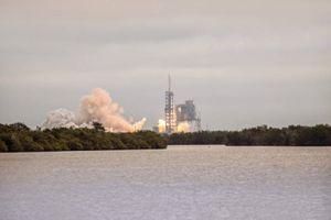 Công ty Ilon Mask SpaceX sẵn sàng đưa vũ khí vào không gian