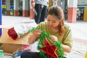 TP HCM: Hàng trăm sinh viên mang trung thu ấm áp đến trẻ em vùng xa