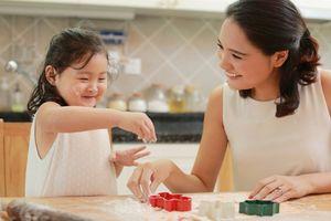 Tết Trung thu mẹ hãy dạy con cách làm bánh dẻo, bánh nướng cực đơn giản và đẹp mắt này