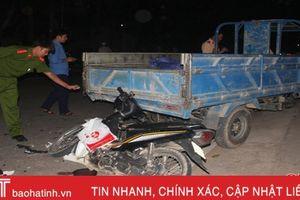 Xe máy đâm xe ba gác tự chế, nam thanh niên tử vong