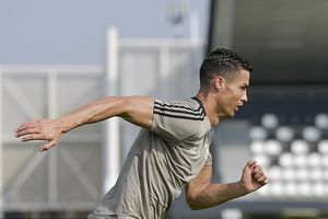 Hiệu ứng Ronaldo: Juve hút mạng xã hội của Liverpool và PSG