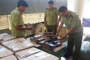 Quảng Bình: Bắt giữ xe tải chở hàng cấm, hàng nhập lậu với số lượng lớn