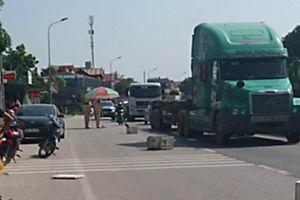 Thanh Hóa: Gánh hàng trên QL1A, 2 phụ nữ bị xe tải tông tử vong tại chỗ
