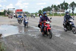 Tuyến tránh TP Tân An xuống cấp nghiêm trọng