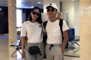 Chuyện showbiz: Khánh Thi và chồng trẻ khoác vai tình tứ ở sân bay