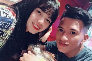 Cựu binh U23 Việt Nam cầu hôn nữ tuyển thủ quốc gia