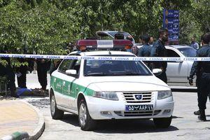 Iran triệu tập phái viên UAE sau vụ xả súng vào lễ diễu hành