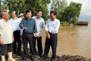 Phó Thủ tướng thị sát, chỉ đạo ứng phó lũ ở Đồng bằng sông Cửu Long