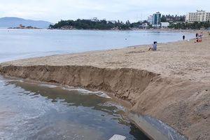 Cống thải 'đầu độc' biển Nha Trang