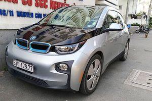 Soi xe ôtô điện BMW i3 tiền tỷ của ông chủ taxi Mai Linh