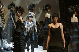 Người thiết kế quốc phục cho Hoa hậu Nhật Bản mang bộ sưu tập đến Việt Nam
