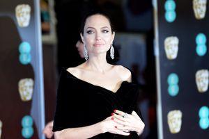 Angelina Jolie đóng phim kinh dị sau khi thỏa thuận chuyện con cái với Brad Pitt