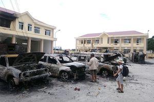 Công an bảo vệ nghiêm ngặt phiên tòa xử 15 bị cáo gây rối ở Bình Thuận