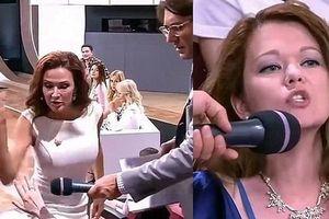 Nữ diễn viên tát thẳng mặt khán giả trên truyền hình vì chỉ trích con mình