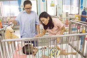 NSƯT Mỹ Uyên mang niềm vui giản dị với trẻ em mồ côi, khuyết tật nhân ngày trung thu