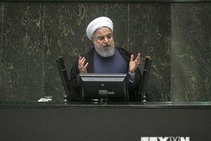 Iran sẵn sàng đối đầu với Mỹ và 'những quốc gia hám lợi nhỏ'