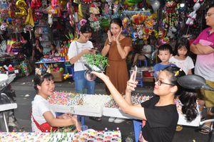 Trung thu 2018: Hàng truyền thống ế ẩm, hàng độc lạ 'lên ngôi'