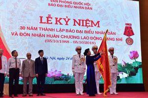 Báo Người Đại biểu Nhân dân đón nhận Huân chương Lao động hạng Nhì