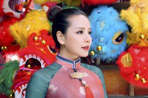 Á quân Thần tượng Bolero 2018 - Thúy Anh đẹp sắc sảo khi dạo phố Trung thu