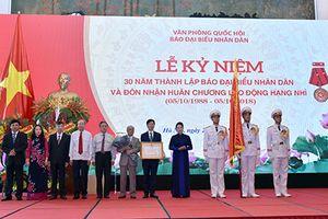 Báo Đại biểu Nhân dân đón nhận Huân chương Lao động hạng Nhì