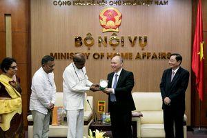 Bộ trưởng Bộ Nội vụ Lê Vĩnh Tân tiếp xã giao Bộ trưởng Bộ Phật giáo Sri Lanka