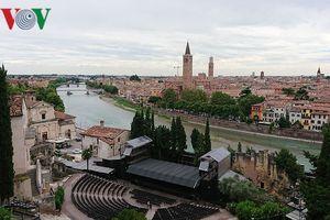Đến thành phố Verona của Italy, thăm nhà Juliette