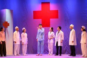 Nghệ sĩ trẻ Minh Hoàng: Muốn sống trọn tình yêu với sân khấu kịch nói