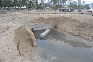 Nước đen như nhớt thải ra vịnh Nha Trang?