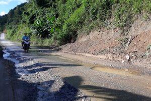 Đường tỉnh lộ Cao Bằng mới đưa vào sử dụng đã hư hỏng