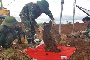 Quảng Trị: Phát hiện 2 cây bút Hồng Hà có khắc tên được chôn cùng hài cốt liệt sĩ