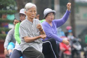 Người cao tuổi tập thể thao đúng cách