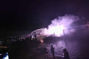 Quảng Nam: Tàu cá bất ngờ bốc cháy trong đêm