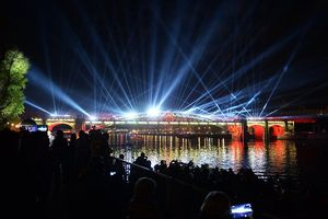 'Vòng tròn ánh sáng' - Lễ hội ánh sáng lớn nhất thế giới tại Nga