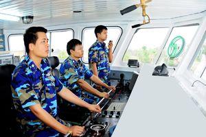 Hành trình giúp ngư dân vững vàng nơi đầu sóng của Hải đội 402