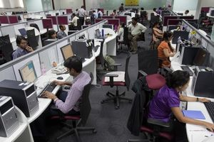 Ấn Độ tăng xuất khẩu phần mềm nhờ tiền tệ mất giá