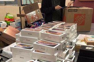 Hơn 250 iPhone Xs Max bị hải quan sân bay Tân Sơn Nhất tạm giữ