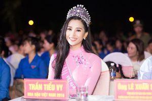Showbiz 25/9: Hoa hậu Trần Tiểu Vy bật mí tiêu chuẩn chọn bạn trai