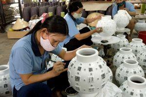 Ưu đãi thuế cho doanh nghiệp: Kinh nghiệm các nước và thực tiễn Việt Nam