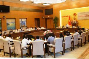 Bộ GD-ĐT giải trình về việc sử dụng giáo viên và tổ chức kỳ thi THPT quốc gia