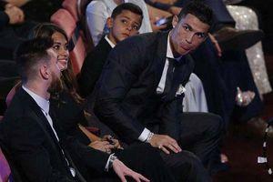 Messi làm điều chưa từng có nhưng không 'cứu' được Ronaldo