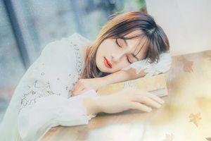Xuất hiện thêm một 'hot girl ngủ gật' xinh đẹp tựa nữ thần khiến dân mạng 'rần rần truy link'