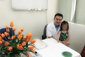 Bị tai nạn lột hết da đầu, bé gái phục hồi kỳ diệu sau 2 năm
